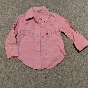 Adorable Levi's pink button-up shirt